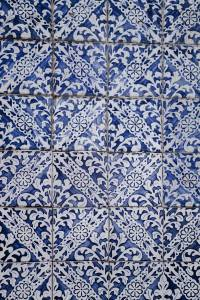 image of ornately patterned blue and white tile